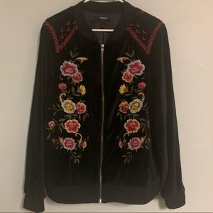 Torrid Size 2 Black Embroidered Zip Up Top